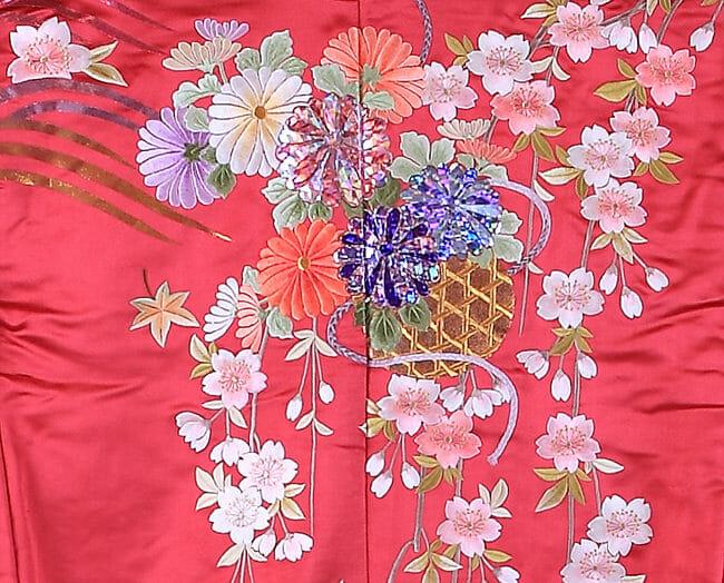 16赤地しだれ桜に菊 [image 2 of 8]