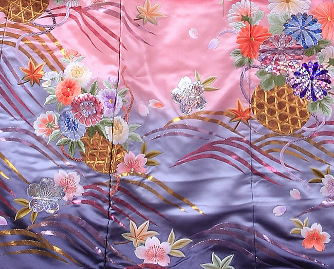16赤地しだれ桜に菊 [image 8 of 8]