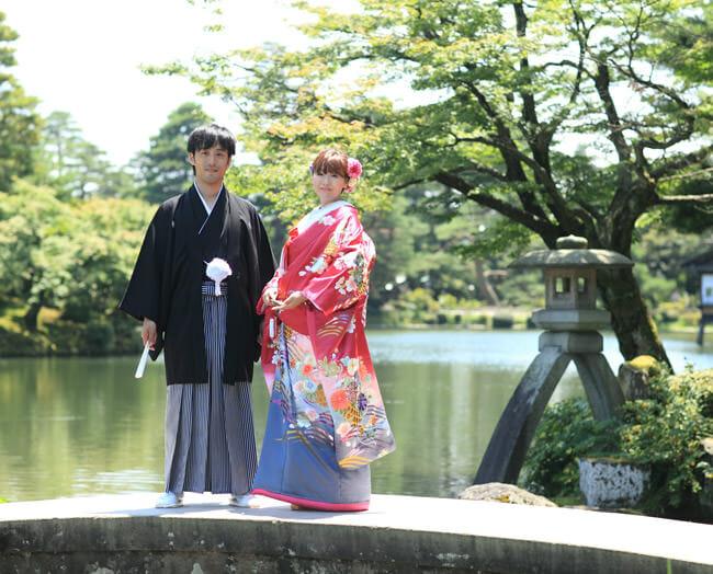 16赤地しだれ桜に菊 [image 3 of 8]
