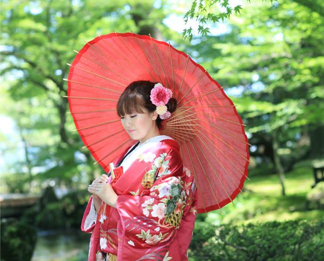 16赤地しだれ桜に菊 [image 5 of 8]