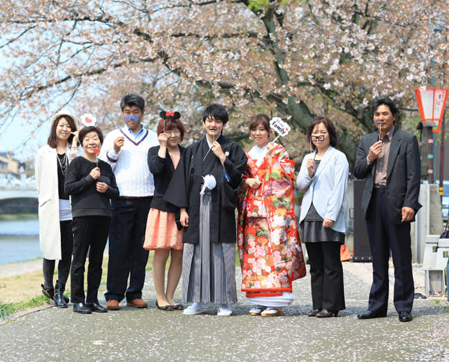 17赤地桜に鶴飛翔 [image 3 of 9]